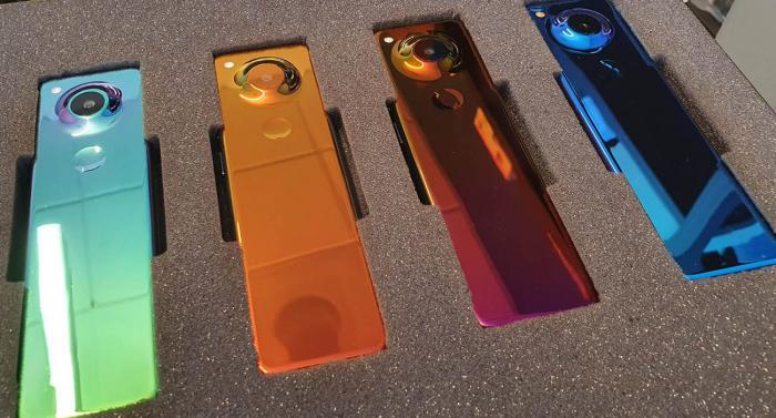 Компания Основатель Essential показал фото нового смартфона