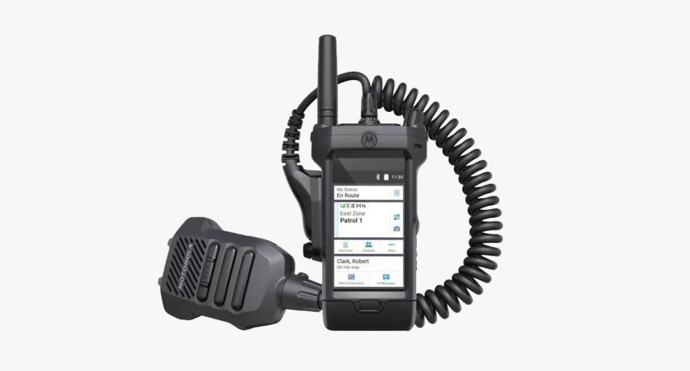 Рация с сенсорным экраном и LTE от Motorola